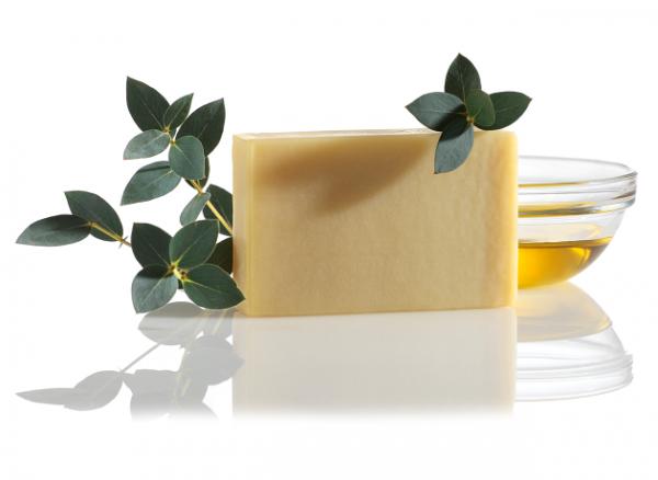 Cédrové mydlo na holenie – nielen pre mužov